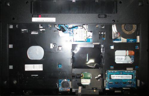 Lenovo G580 分解 HDDの取外し、メモリ増設修理